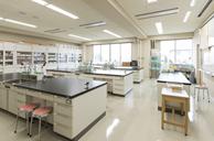 理化学実験室